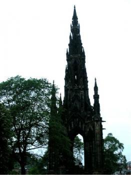 Le Scott Monument à Edimbourg